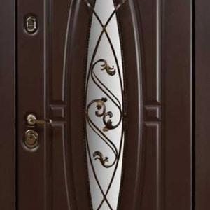 Дверь со стеклом и ковкой DR243